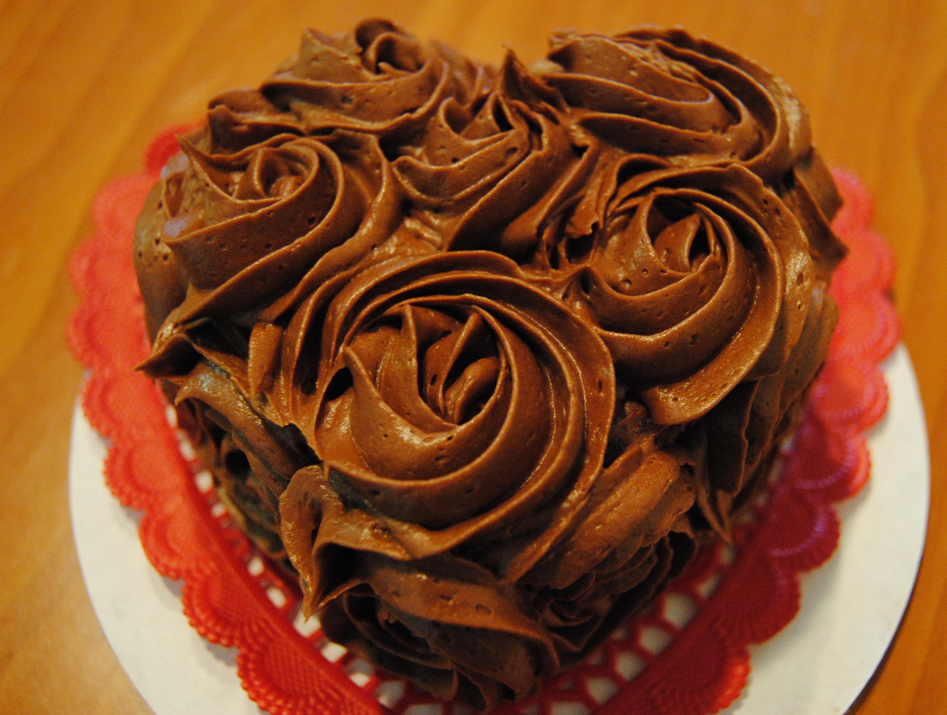 Cake Decorations Chocolate Hearts : I (Heart) You Cake Coffee. Cupcakes. Wine